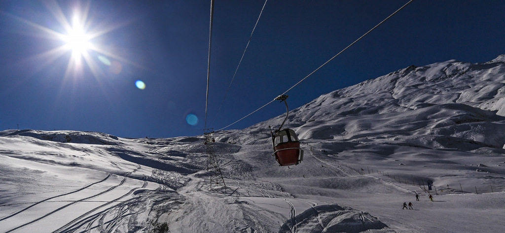 Tochal Ski resorts in tehran